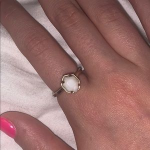 Kendra Scott ring rose gold and pearl